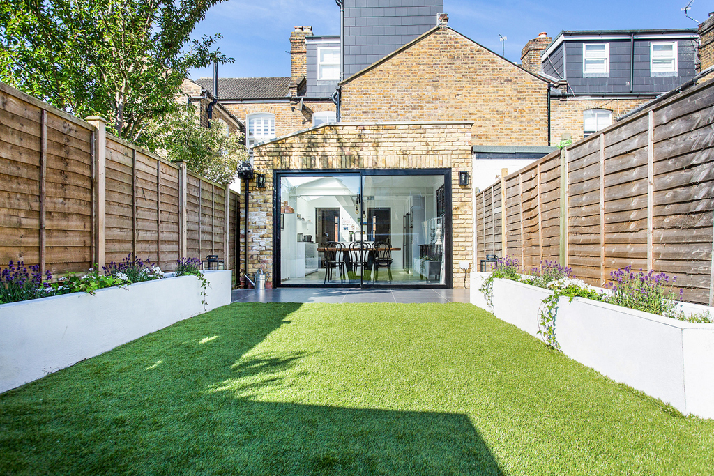 21_MR_house extension_garden ciew_02