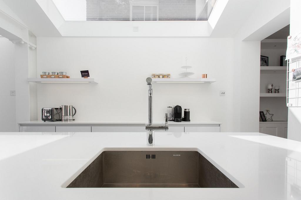 21_MR_kitchen extension_sink_view_02