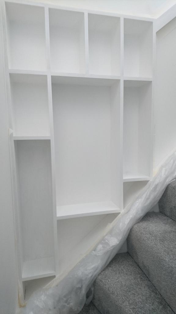 Wellesley 42 stairs shelf