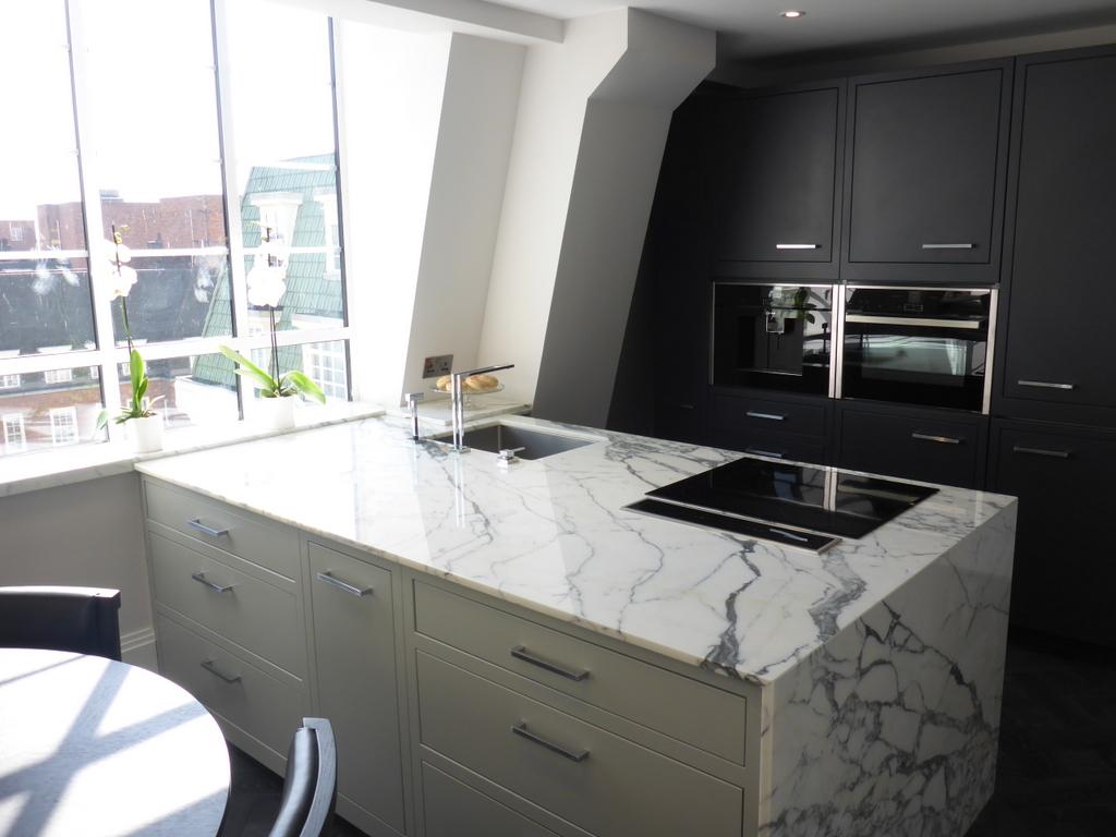 Penthouse_Kitchen