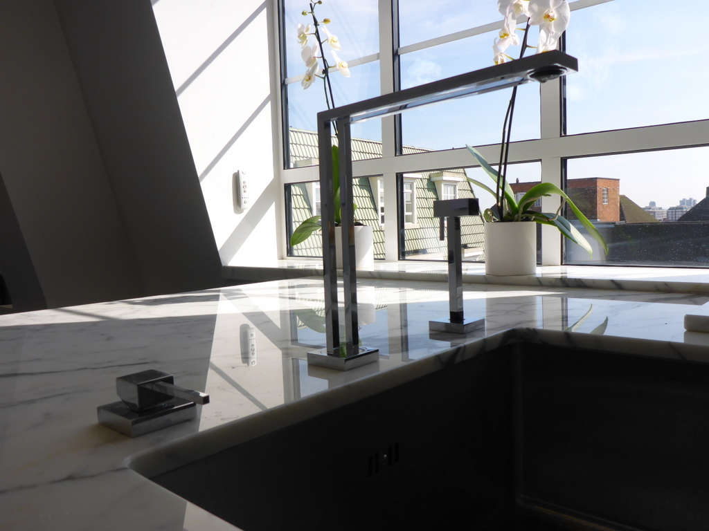 Penthouse_tap_sink