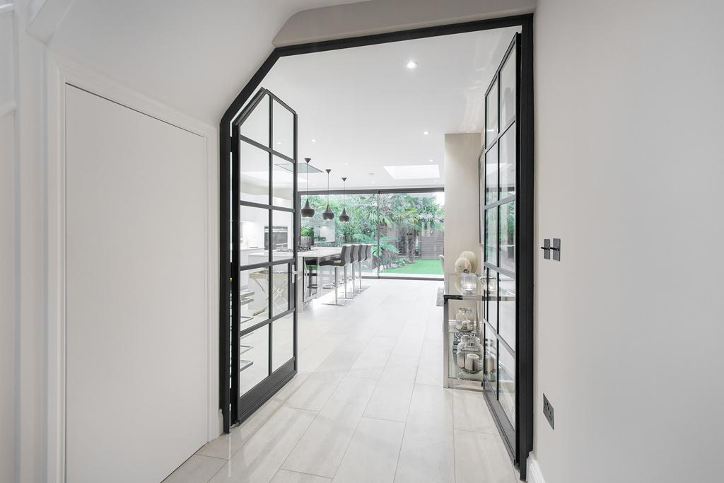 PR_Crittal doors hall